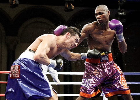 Williams (right) against Sergio Martinez